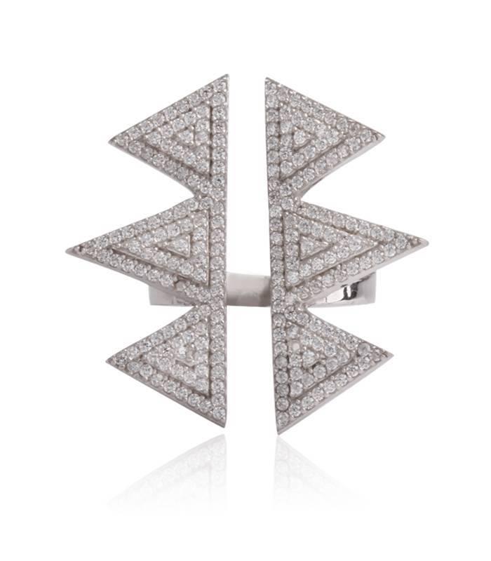 "Anillo ""Emphasis"" Triple triángulo"