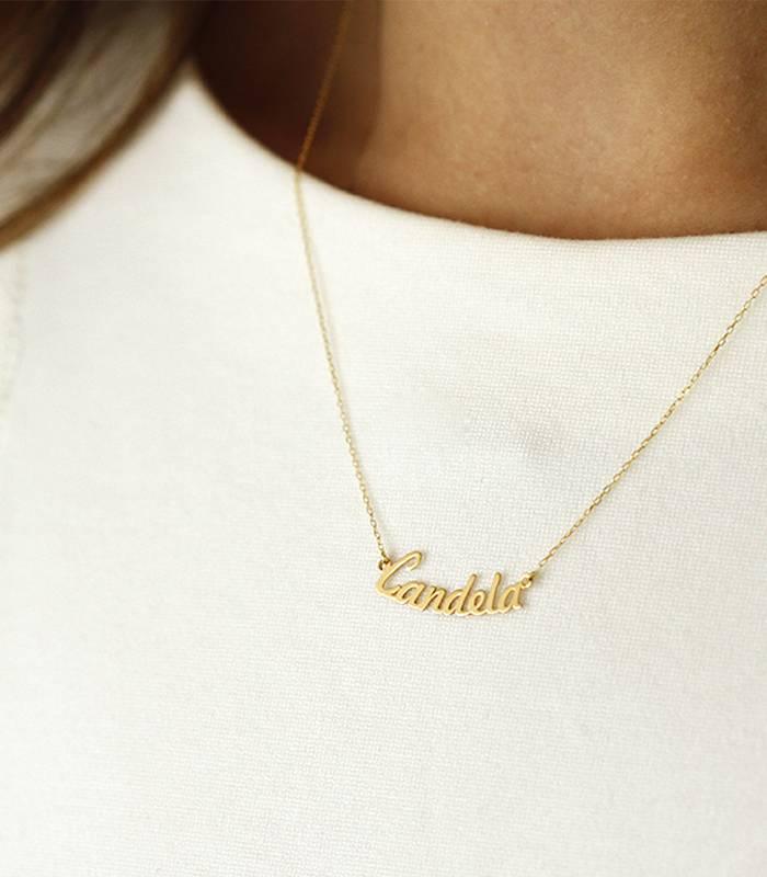 6ef227397292 Collar de nombre de Oro de 18k