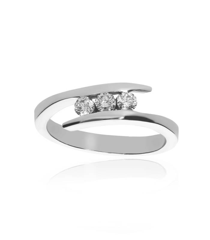 Anillo Oro Blanco Tres Diamantes
