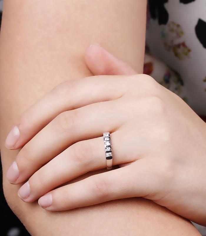 Anillo Oro Blanco Diamantes 0.20 cst