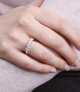 """Anillo """"Maura"""" Oro Blanco y 5 Diamantes"""