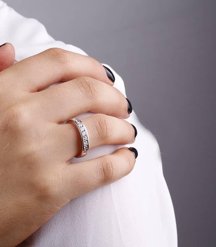"""Anillo """"Lis"""" 0.50 cts. Oro Blanco y Diamantes"""
