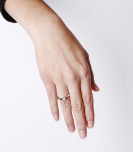"Anillo ""Selene"" 0.15cts. Oro Blanco y Diamantes REVISAR"